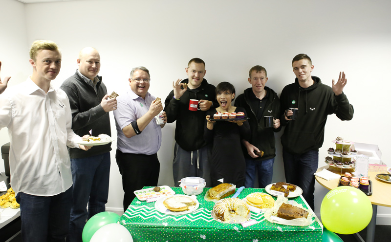 Warehouse-staff,-Fran,-macmillan-cakes-coffee-morning